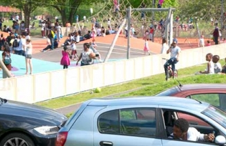 Photo: cars and children playing