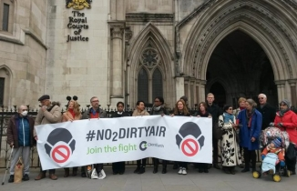 NO2DIRTYAIR demonstration at the High Court