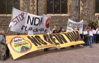 Protest at NDR preliminary meeting